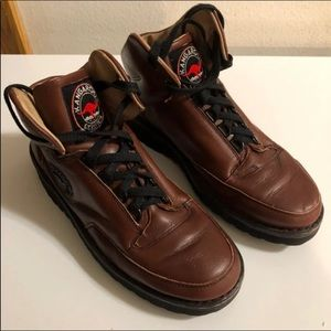 Kangaroos classics size 7 D shoes Made in poland